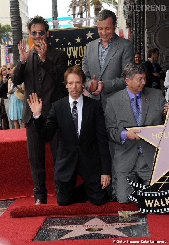Johnny Depp plein d'entrain lors de l'inauguration de l'étoile de Jerry Buckheimer sur la Walk of Fame.