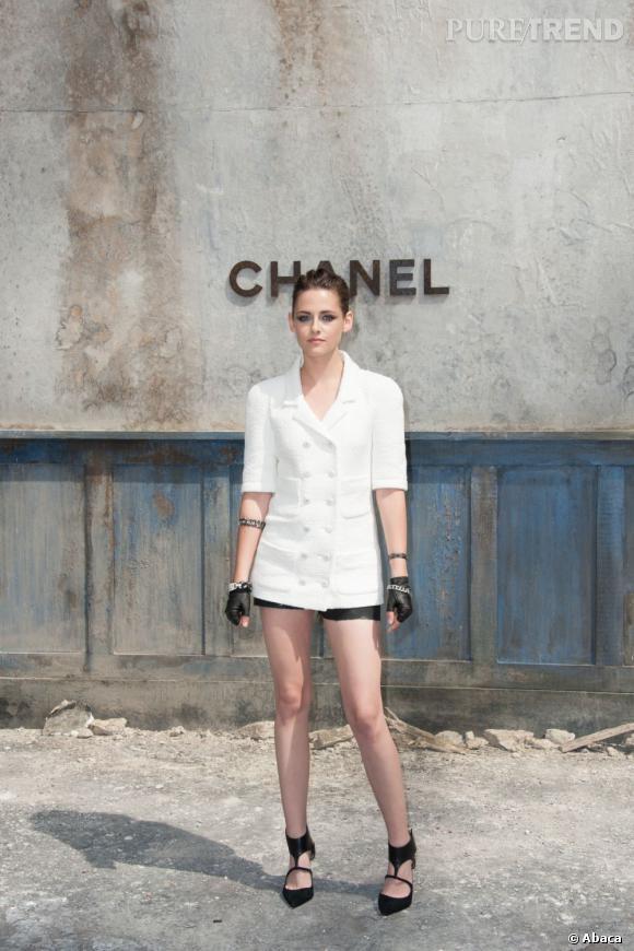 Kristen Stewart chez Chanel Haute Couture à Paris.