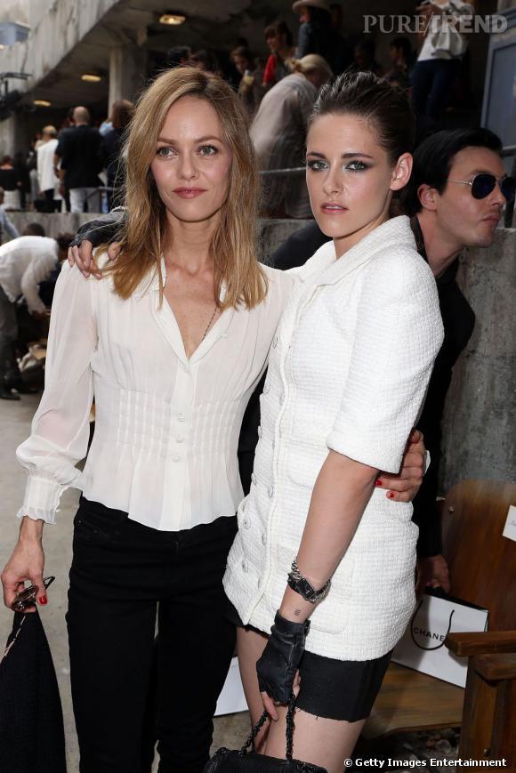 Vanessa Paradis et Kristen Stewart chez Chanel Haute Couture à Paris.