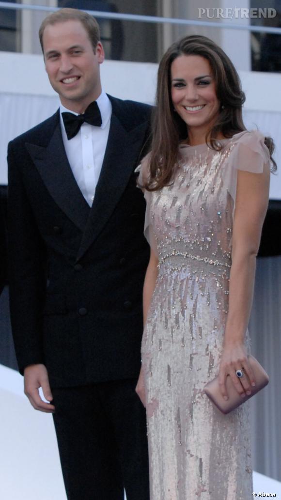 Kate Middleton, très chic dans une robe en voile entièrement brodée de sequins et de perles.