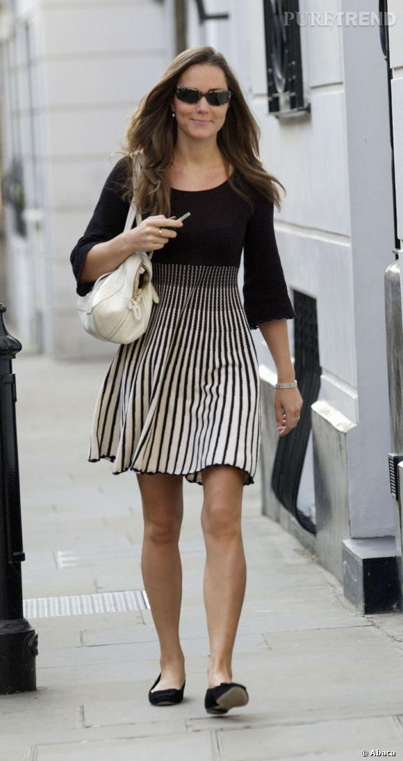 Kate Middleton, toujours en noir et blanc.
