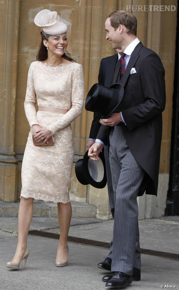Kate Middleton rayonne aussi dans des tenues plus neutres.