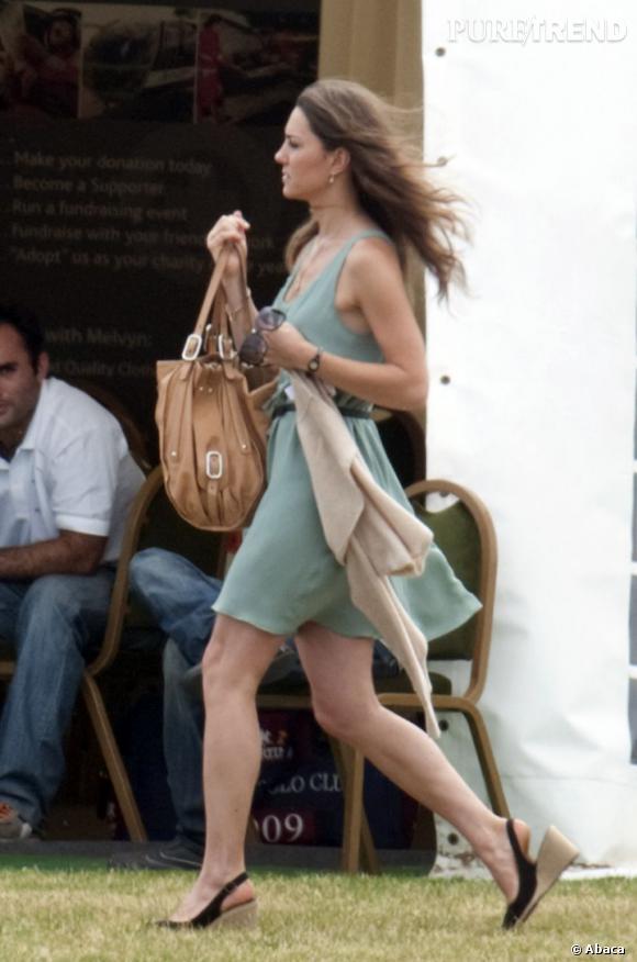 Kate Middleton prend de la hauteur et se met aux couleurs pastel : un très bon point.