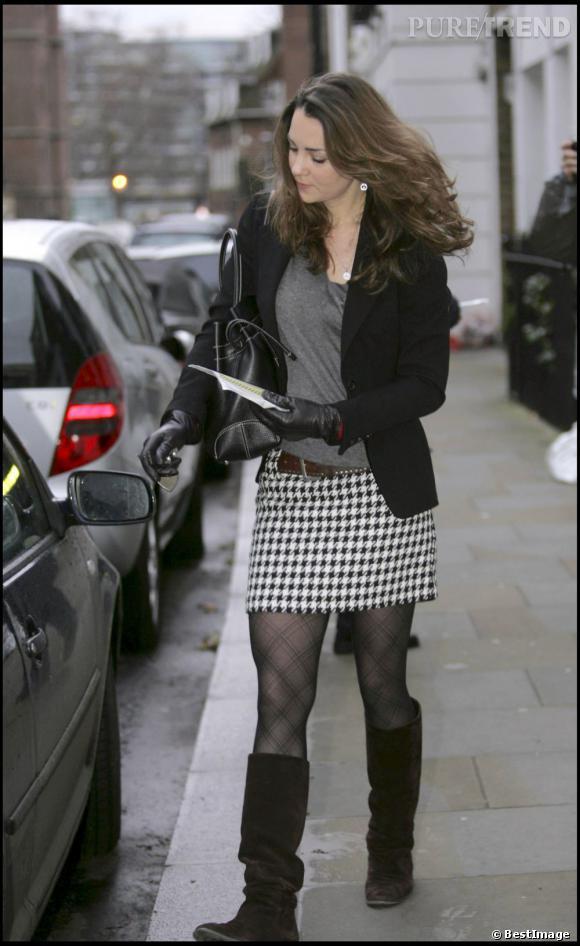 Kate Middleton mise sur l'imprimé pied de poule, valeur sûre.