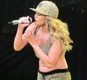 Jennifer Lopez, ses abdos ramollos : des tenues de scene peu flatteuses