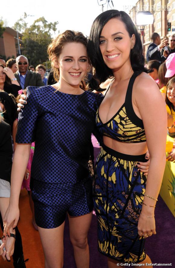 Katy Perry a envoyé un SMS à Kristen Stewart pour s'expliquer sur les rumeurs avec Robert Pattinson.