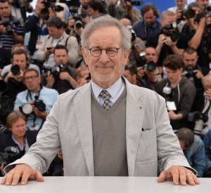 """Steven Spielberg continue de charmer la télévision : après """"Under The Dome"""", il a vendu """"Extant"""" à la chaîne CBS."""