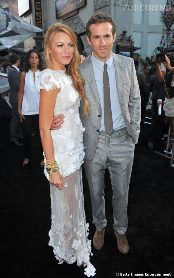 """Le top en couple  : Lors de la première de """"Green Lantern"""", Blake Lively et Rayn Reynolds jouent presque les jeunes mariés avant l'heure."""