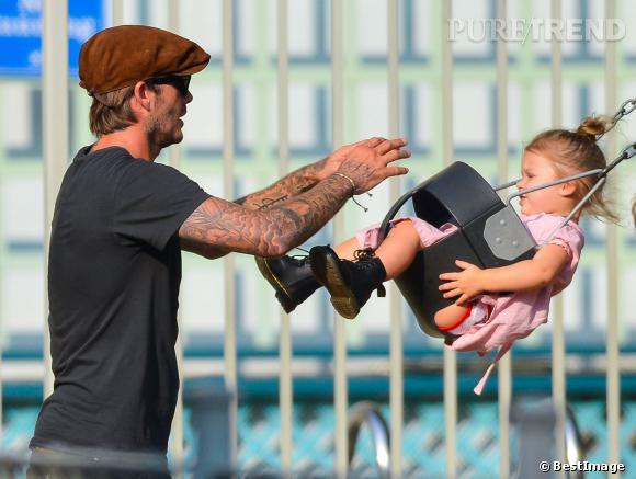 David Beckham pousseur officiel de la balançoire d'Harper.