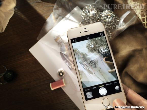 Burberry utilise l'iPhone 5s pour capturer la collection Printemps-Eté 2014 Burberry.