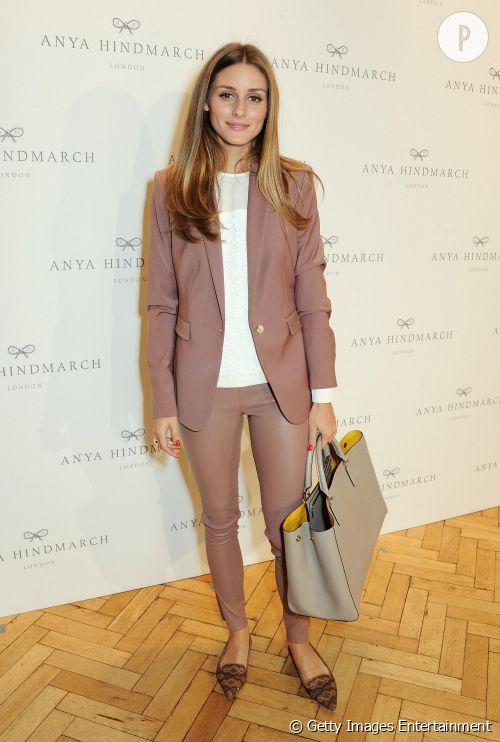 Olivia Palermo, son look à shopper.
