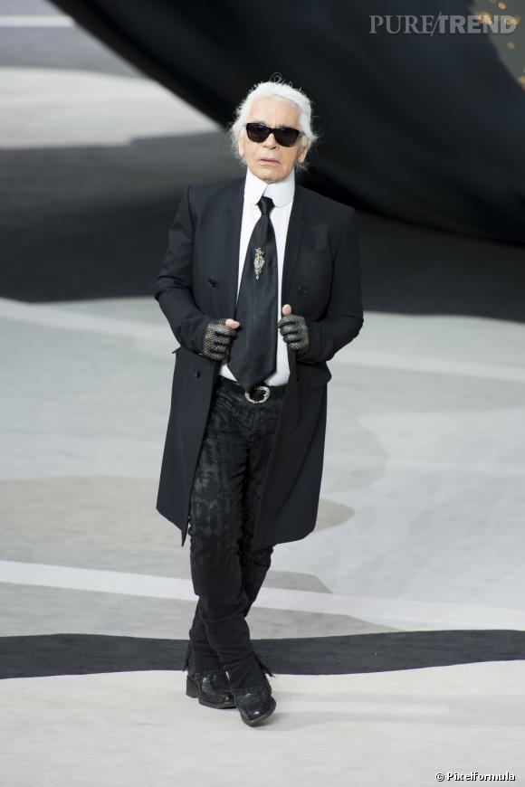 Karl Lagerfeld, Directeur Artistique de la maison Chanel mais aussi star de la maison française.