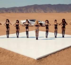 """Britney Spears a dévoilé quelques secondes de son futur clip """"Work Bitch"""", et le moins qu'on puisse dire c'est qu'elle a mis les moyens. Le clip a été tourné dans le désert..."""