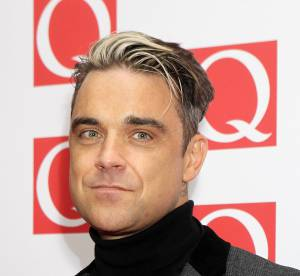 Robbie Williams et sa meche blanche : abomination ou future tendance ?