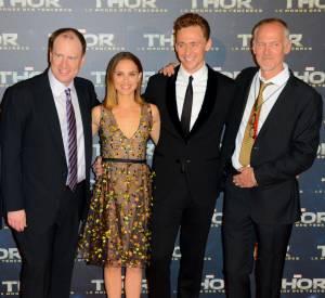 """Louis d'Esposito, Kevin Feige, Natalie Portman, Tom Hiddleston et Alan Taylor réunis à l'avant-première de """"Thor : Le Monde des Ténèbres""""."""