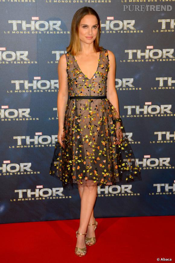Natalie Portman portait une superbe robe Christian Dior en voile brodé.