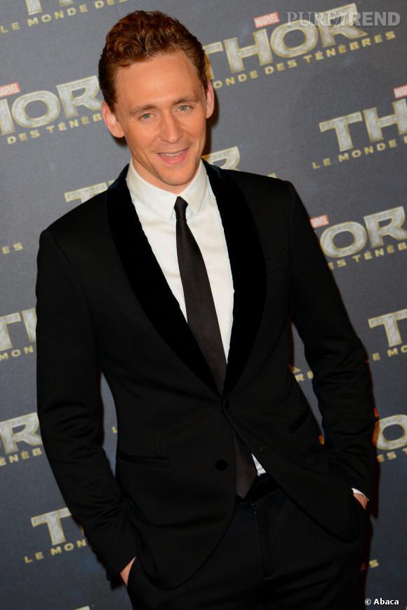 """Tom Hiddleston à l'avant-première de """"Thor : Le Monde des Ténèbres"""" à Paris."""