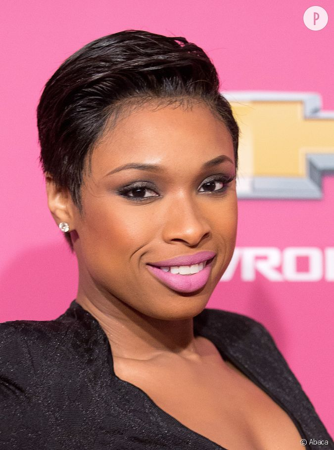 jennifer hudson change de t te et s 39 offre une coupe courte. Black Bedroom Furniture Sets. Home Design Ideas