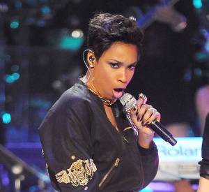Jennifer Hudson assume sa nouvelle tête et arbore un look rock'n'roll.