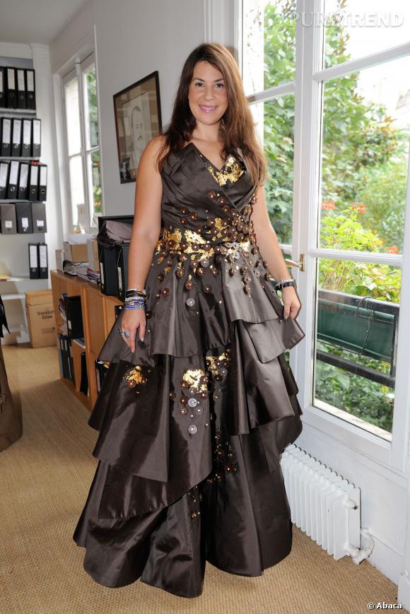 Marion Bartoli en plein essayage de robe pour le Salon du chocolat 2013.