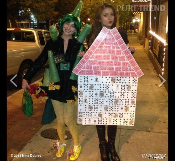 """Nina Dobrev en """"House of Cards"""" (la série TV, prise ici littéralement) et Candice Accola en Cité d'Émeraude."""