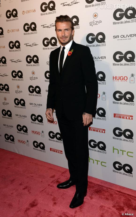 Le look smoking chic :  Toujours très élégant sur tapis rouge, David Beckham s'est surpassé pour recevoir le prix de l'homme le plus stylé par le magazine GQ.