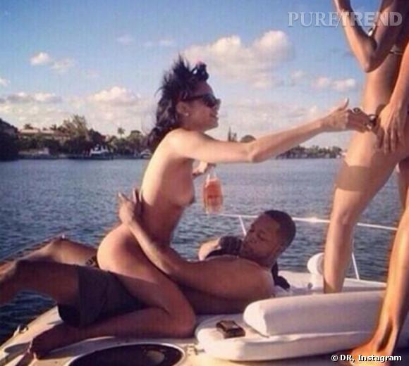 Rihanna entièrement nue en compagnie de Young Chris.