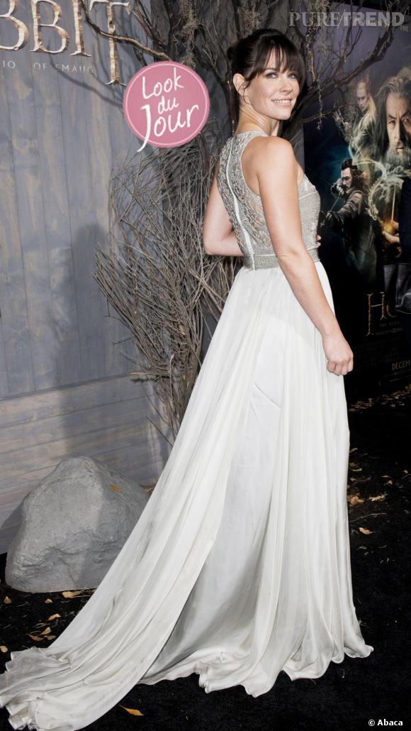 """Evangeline Lilly, divine dans une longue robe en mousseline Catherine Deane pour l'avant-première de """"Le Hobbit : La Désolation de Smaug"""" à Los Angeles."""
