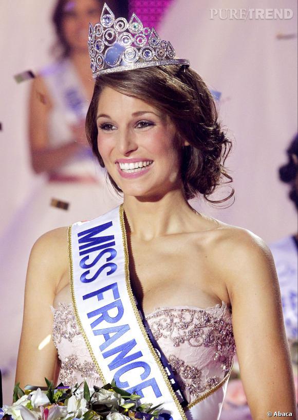 Laury Thilleman Miss France 2011 et sa couronne Julien d'Orcel.