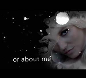 Britney Spears a dévoilé sur son compte Twitter un court extrait de son prochain titre : Perfume.
