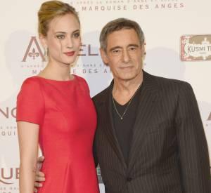 Nora Arnezeder et Gérard Lanvin à la première d'Angélique à Paris le 16 décembre 2013.