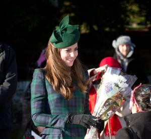 """Kate Middleton ose la tenue """"recyclée"""" pour la Messe de Noël"""