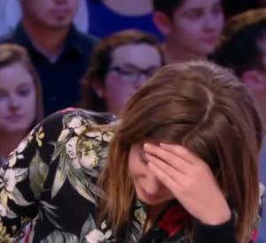 Adèle Exarchopoulos, très gênée par une vidéo osée moyennement assumée.