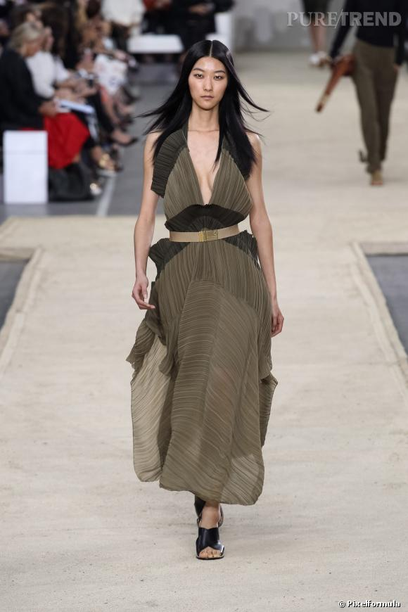 Ce qu'il faut porter en 2014 :  le plissé, sur des robes légères comme chez Chloé.