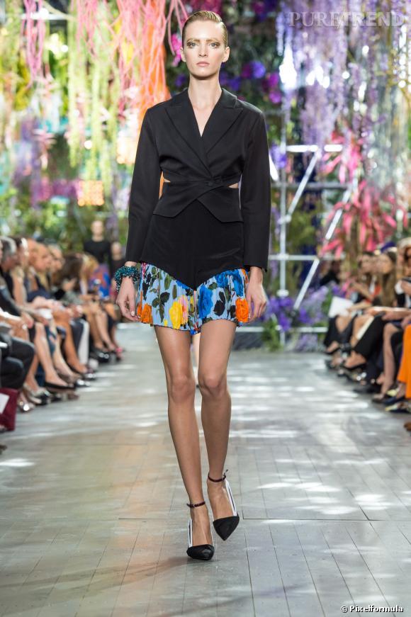 Ce qu'il faut porter en 2014 :  l'imprimé pictural comme chez Christian Dior. Avec un blazer noir pour adoucir.