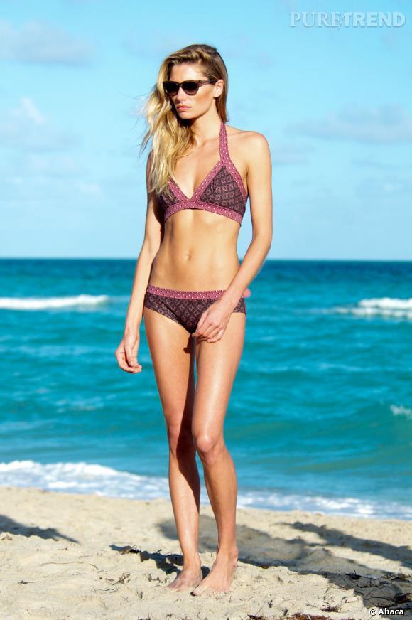 Jessica Hart fait des jalouses à Hawaï.