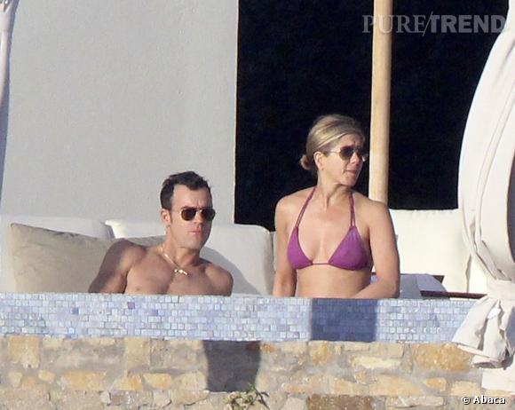 Jennifer Aniston collectionne les bikinis ficelle.
