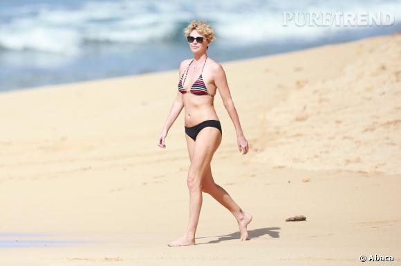Charlize Theron, une bombe à Hawaï.