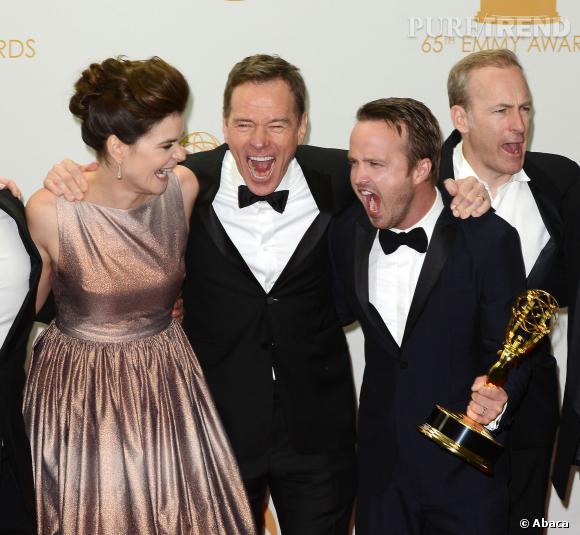 Betsy Brandt, Bryan Cranston, Aaron Paul et Bob Odenkirk aux Emmy Awards.