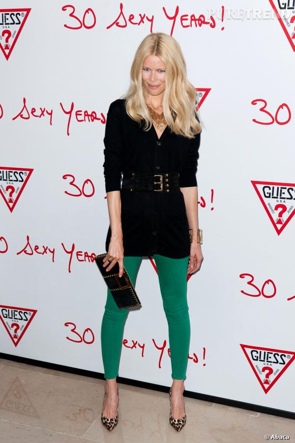 Claudia Schiffer, égérie Guess de toujours, se lance maintenant dans le monde de la beauté.
