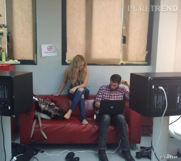 """Shakira a partagé quelques photos de la préparation de """"Can't Remember to Forget You""""."""