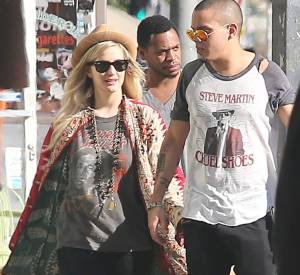 Ashlee Simpson et Evan Ross, main dans la main.