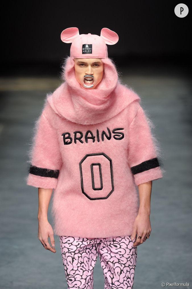 Fashion Week Homme Automne Hiver 2014 2015 L 39 Carteur Du D Fil Man Sans Oublier Les Oreilles