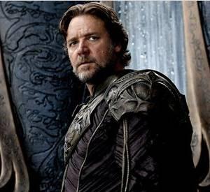 Russell Crowe porte tellement bien l'armure !