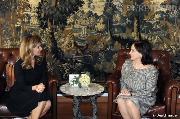Valérie Trierweiler et  Wafaa Suleiman, la femme du président du Liban Michel Suleiman, pendant sa visite au Liban le 5 novembre 2013.