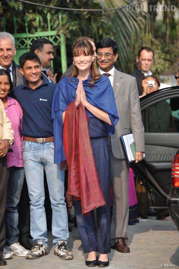 Carla Bruni visite l'hôpital de  Sarfadarjung  à New Delhi, le 6 décembre 2010.