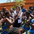 """Valérie Trierweiler en visite au centre """" Soweto Kliptown Youth"""", le 15 octobre 2013."""