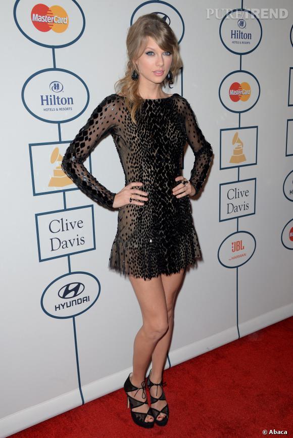 Taylor Swift sexy mais au bord du vulgaire sur le redcarpet des pre-Grammy Awards, le 25 janvier 2014.