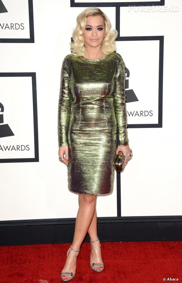 Rita Ora, robe fourreau brillante pour les Grammy Awards 2014.
