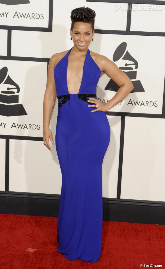 Robe sexy mais qui grossit légèrement les hanches pour Alicia Keys.
